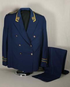 Porter's uniform, Canadian Pacific Hotels