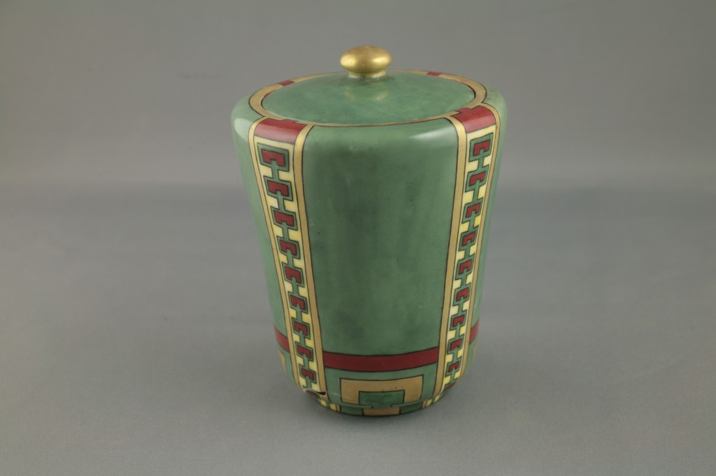 Jar, 1912-1919, painted by Mae Irene Whyte, Winnipeg. Whyte participated in the Suffragist movement. Donated by Marion E. Kaffka. H9-9-534. Copyright The Manitoba Museum.