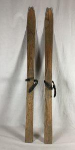 h9-3-29-skis
