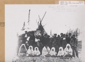 Deer Lake Group,  [circa 1925]. Archives of Manitoba, Still Images Section. R. T. Chapin Collection. Negative 15148.